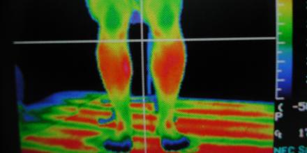 サーモグラフィ画像 従来型床暖房