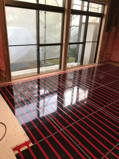 遠赤外線温水式床暖房ゆかだんパオ